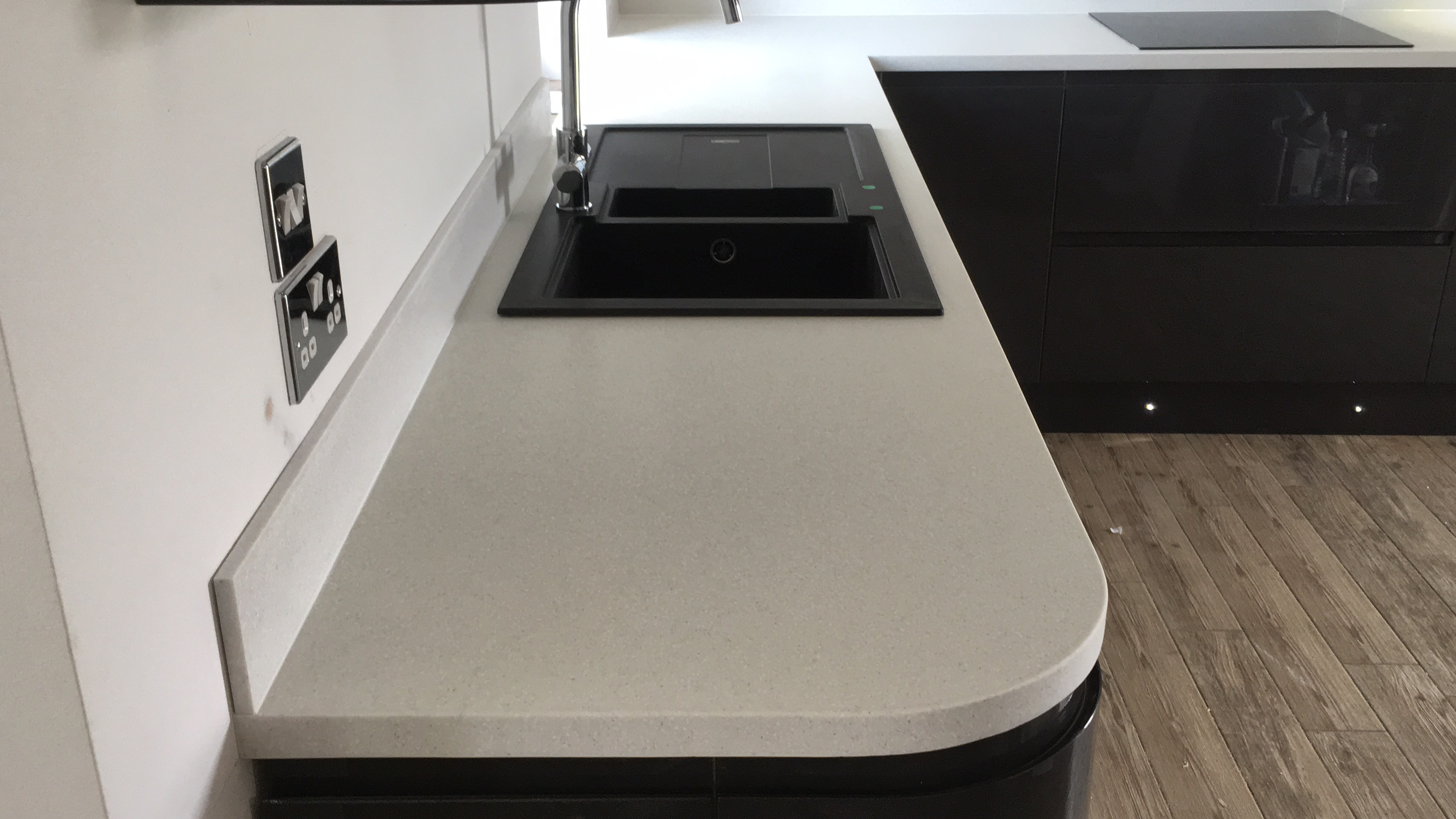 Apollo Magna Worktop Fitter